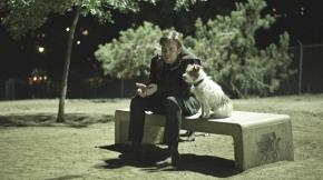 still-of-ewan-mcgregor-and-cosmo-in-beginners-(2010)-large-picture